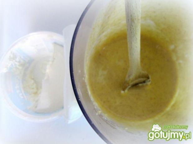 Placki z truskawkowo -lawendowym sosem