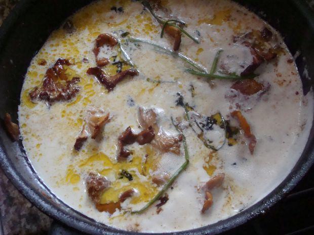 Placki ziemniaczane z cukinią i sosem kurkowym