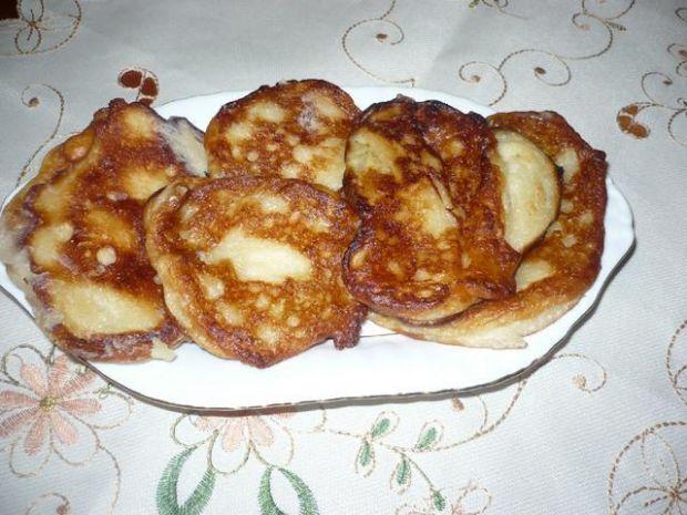 Placuszki drożdżowe z bananem