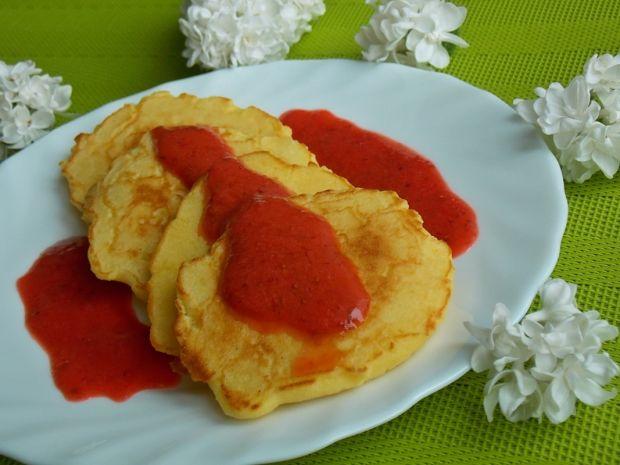 Placuszki kukurydziane z musem truskawkowym