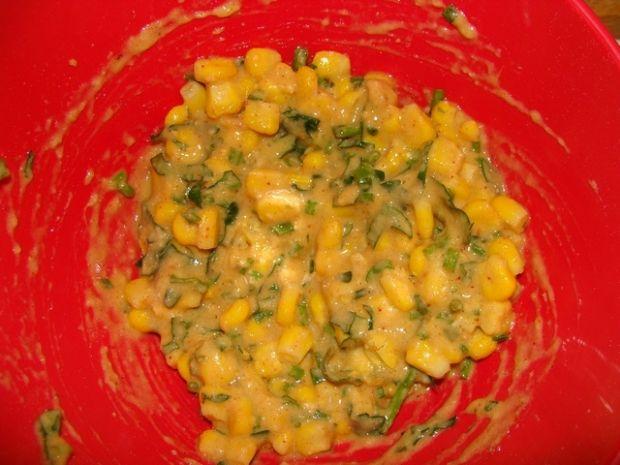 Placuszki z kukurydzą i szczypiorkiem