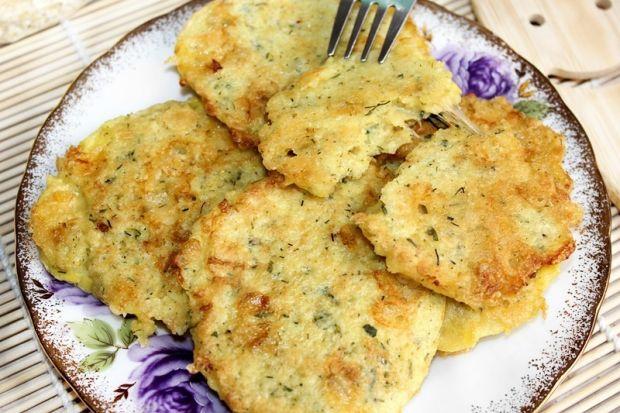 Placuszki z płatków jaglanych z żółtym serem