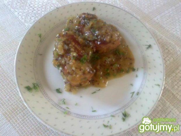 Podsmażana kiełbaska na słodko-kwaśno