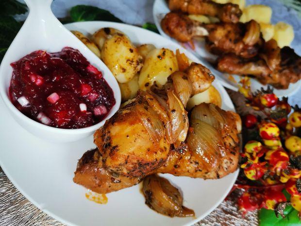 Podudzia kurczaka duszone z cebulą