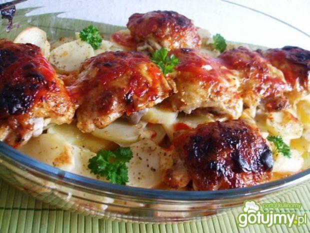 Podudzia kurczaka piecz z ziemniaczkami