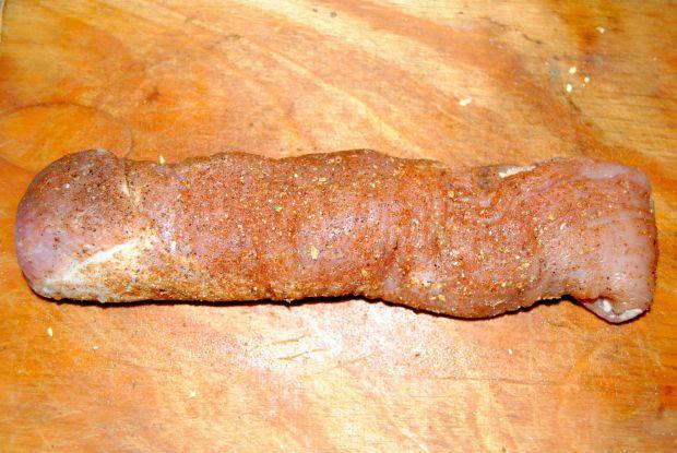 Polędwiczka w sosie wiśniowym