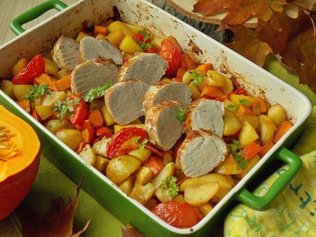 Polędwiczka wieprzowa z pieczonymi warzywami