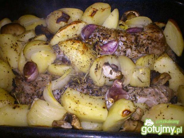 Polędwiczki pieczone z ziemniakami