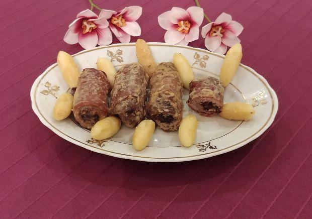 Polędwiczki w szynce parmeńskiej, ze śliwką