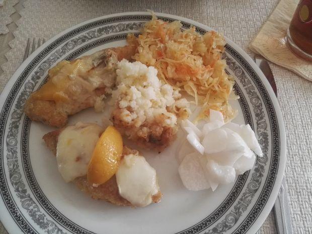 Polędwiczki z kurczaka z 2 serami i brzoskwinią