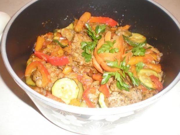 Polędwiczki z warzywami i sosem Łowicz