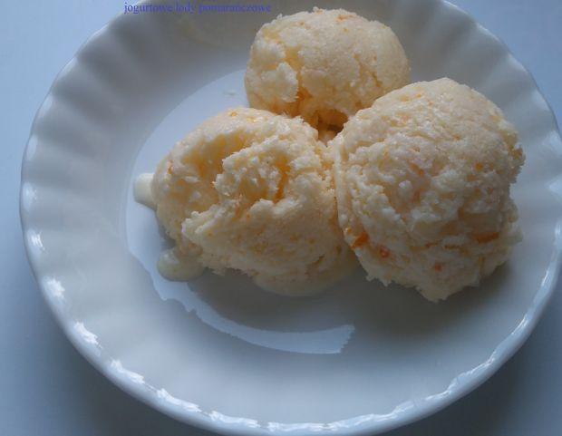 Pomarańczowe lody jogurtowe