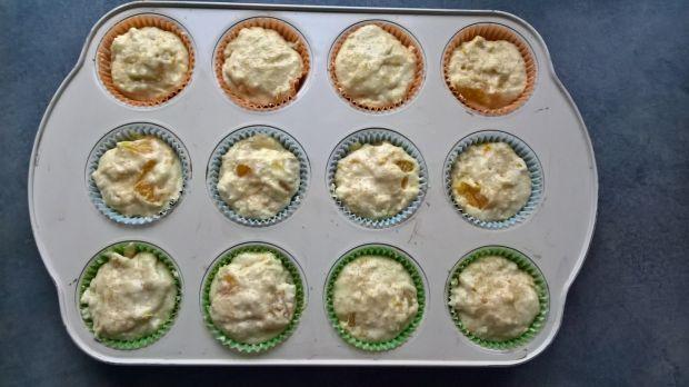 Pomarańczowe muffinki z kaszą manną