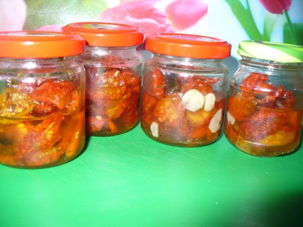 Pomidorki koktajlowe suszone do słoiczków
