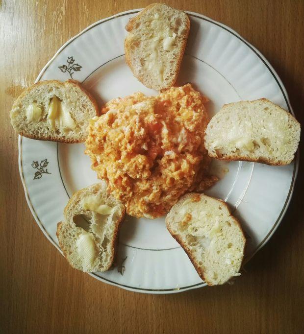 Pomidorowa jajecznica