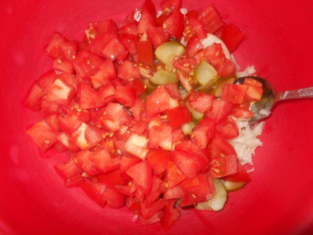Pomidorowa surówka z kalarepką