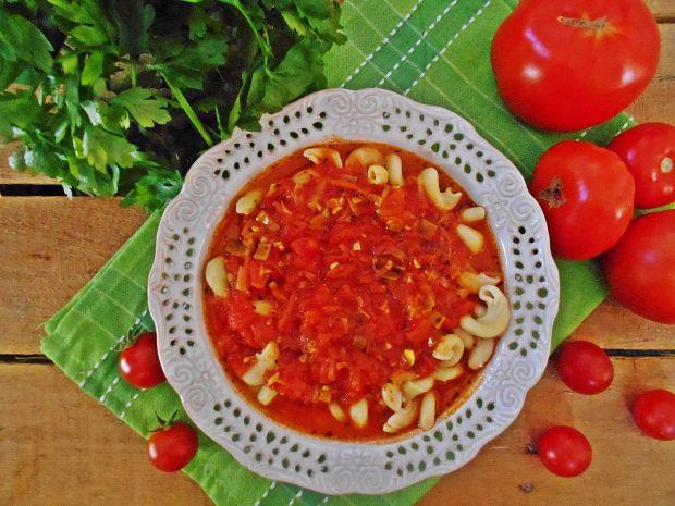Pomidorowa ze świeżych pomidorów z chili