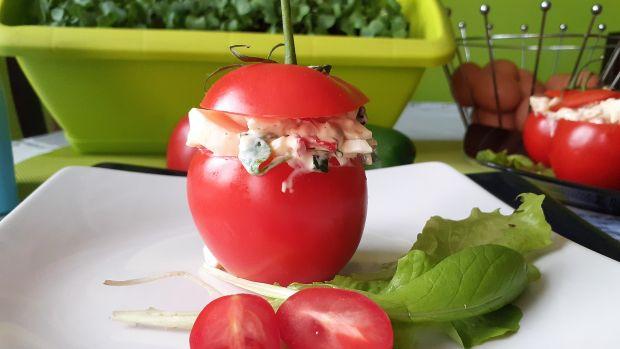 Pomidory faszerowane jajkami,fasolką