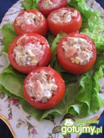 Pomidory faszerowane makrelą i jajkiem