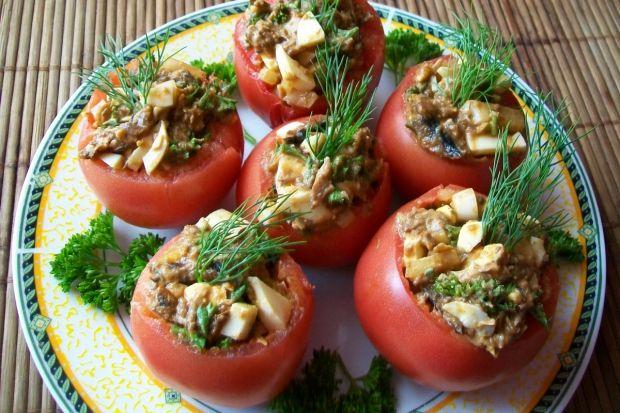 Pomidory faszerowane szprotkami