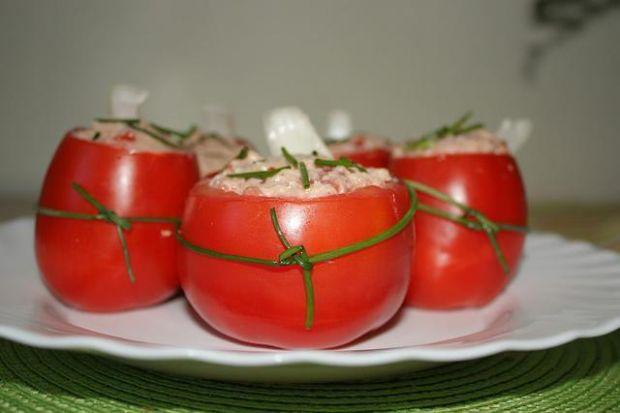 Pomidory faszerowane tuńczykiem