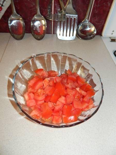 Pomidory z cebulą i ze śmietaną