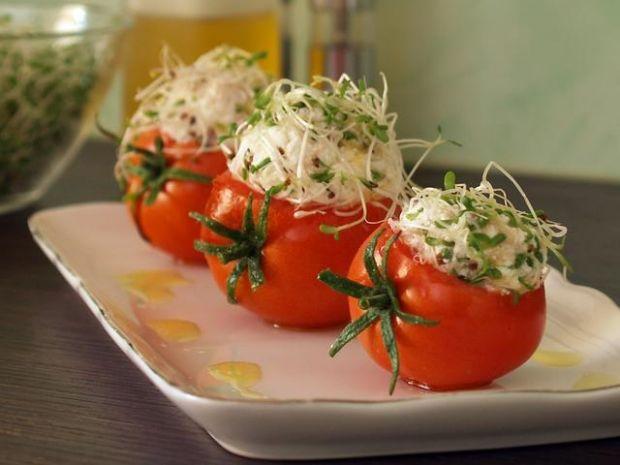 Pomidory z kulkami serowo-makrelowymi