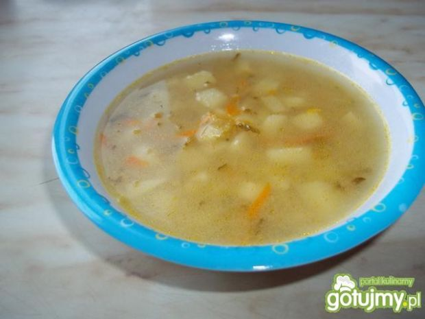 Popularna zupa ogórkowa