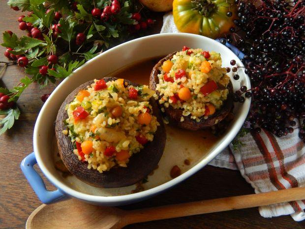 Portobello z kaszą bulgur i warzywami
