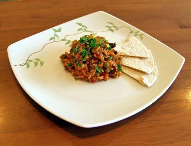 potrawka pomidorowa z ryżem z tortillą