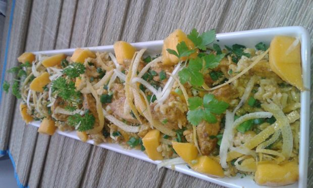 Potrawka ryżowa z mango i kurczakiem