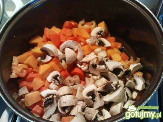 Potrawka wegetariańska z dynią
