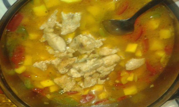 Potrawka z filetu z kurczaka z dynią i warzywami