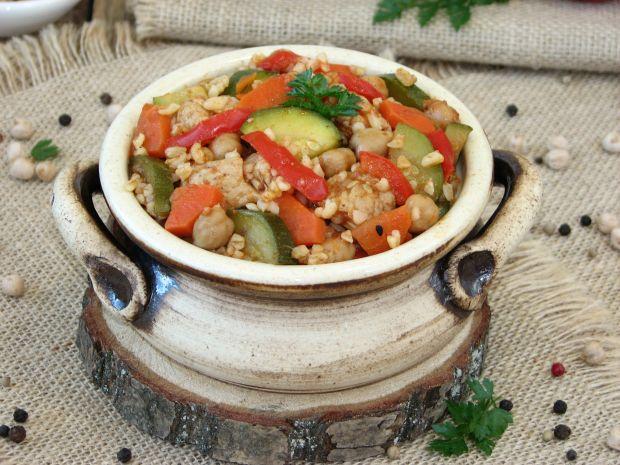 Potrawka z indyka z warzywami i kaszą bulgur