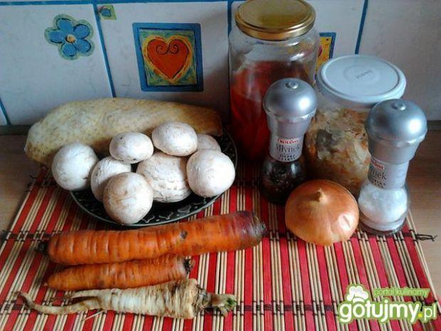 Potrawka z kaczki z kapustą, pieczarkami
