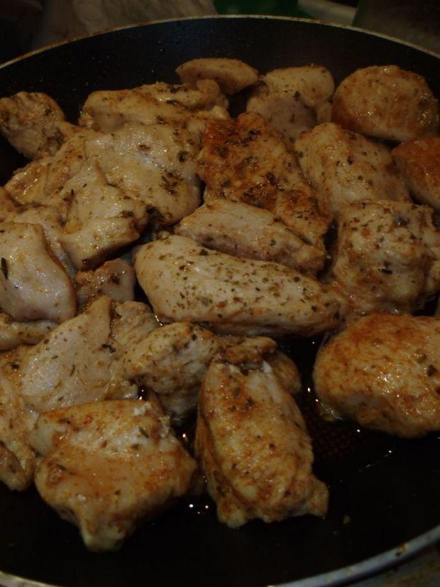 Potrawka z kurczaka z brukselką