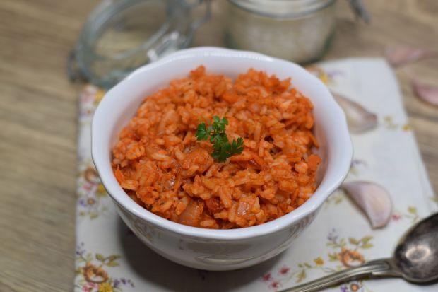 Potrawka z ryżu, łososia i warzyw