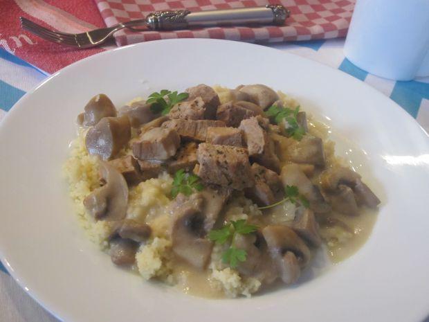 Potrawka z szynką wieprzową i kuskusem