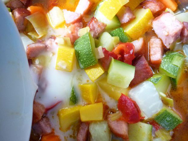 Potrawka z warzyw i kiełbasy