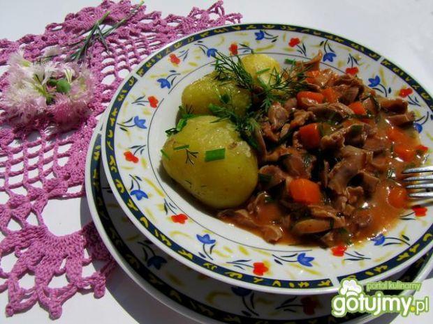 Potrawka z żołądków z marchewką