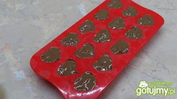 Pralinki czekoladowe z waflami ryżowymi