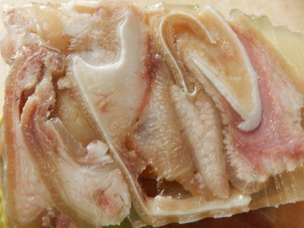 Prasowane świńskie uszy po litewsku