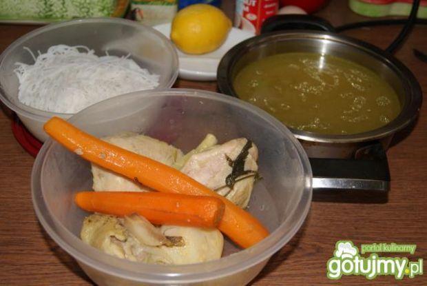 Prawie tajska cytrynowa zupa