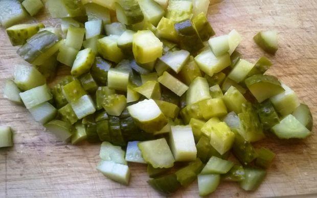 Prosta sałatka z curry i ananasem