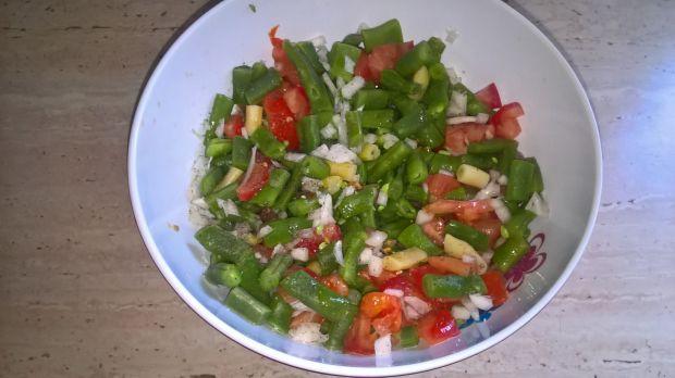 Prosta sałatka z fasolką szparagową