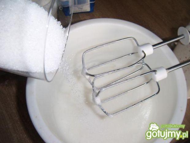 Przygotowanie biszkoptu - jasnego