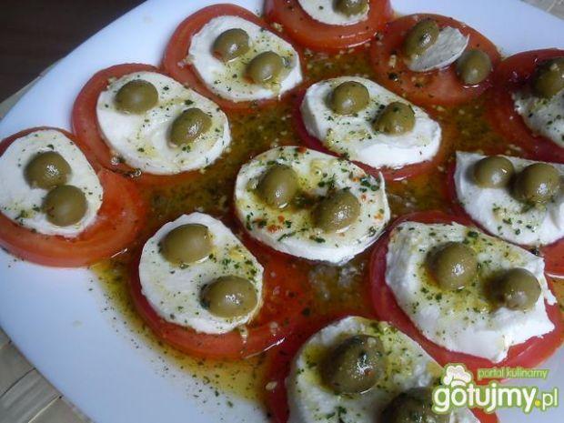 Przystawka z pomidorów i mozzarelli