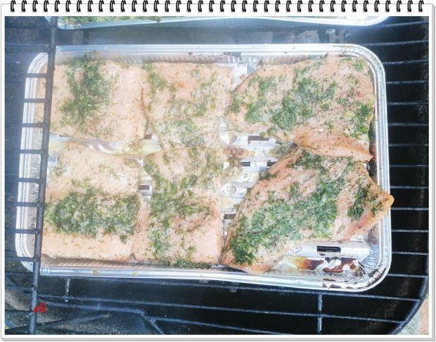 Pstrąg łososiowy Eli z grilla