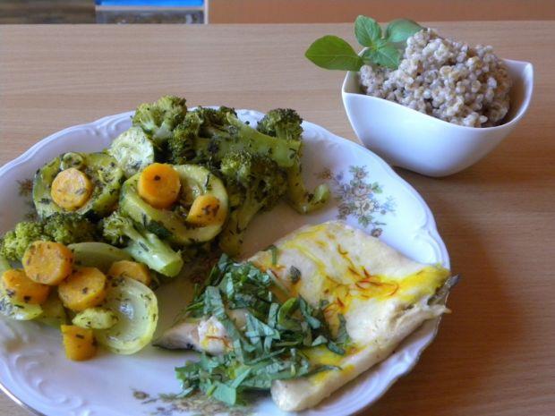 Pstrąg łososiowy z warzywami