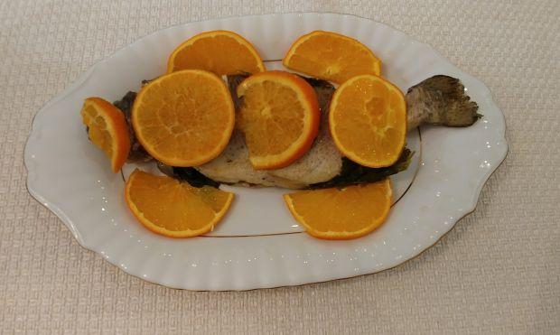 Pstrąg w pomarańczach z nutą chili